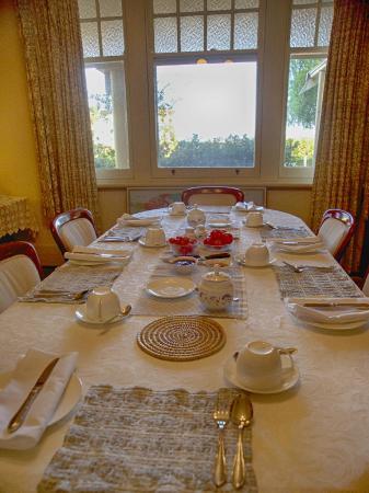 Barossa House: Breakfast Table