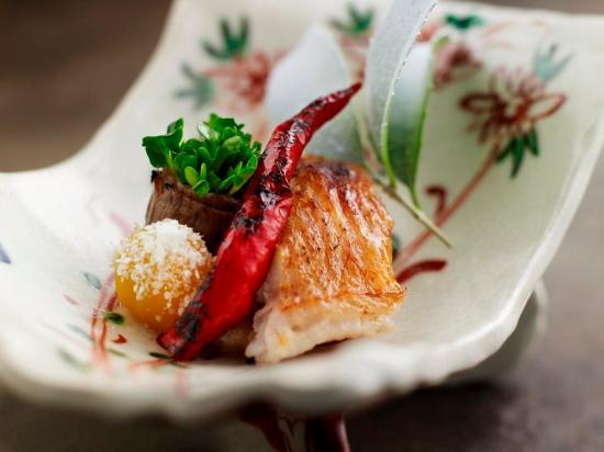 Shangri-La Hotel, Tokyo: Nadaman food image 2