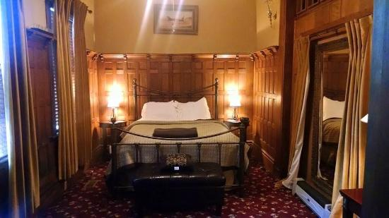 Bruce House Inn: The bedroom