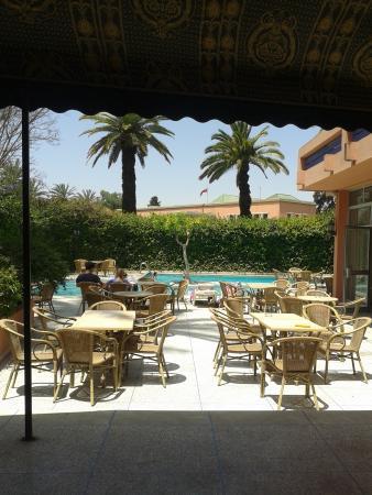 Hotel Le Grand Imilchil : Pool area