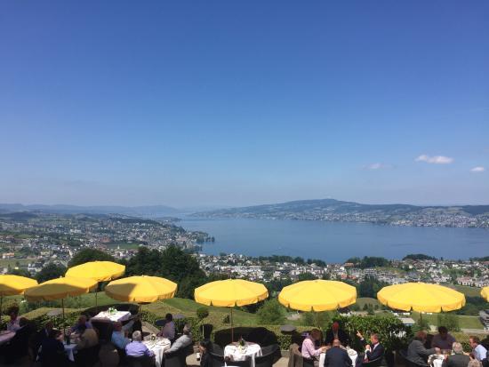 Panorama Resort & Spa: Traumhafte Aussicht auf den Zürichsee