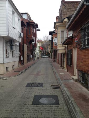 Hagia Sophia Apartment: Улочка , на которой расположен отель