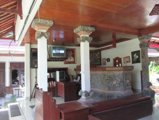 Hotel Puri Tanah Lot : accueil