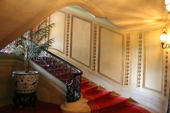 Vanderbilt Mansion National Historic Site: Staircase