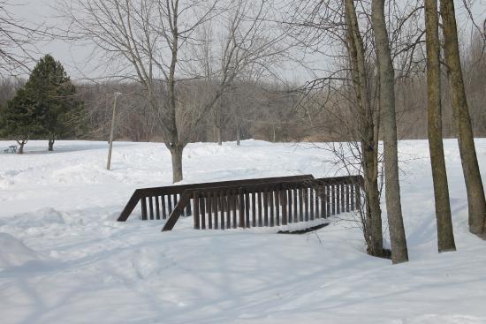 Parc Michel-Chartrand : un petit pont