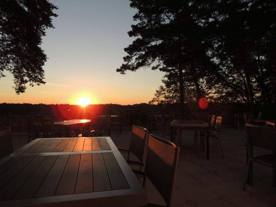Hotel Meysset : Sunset sur la terrasse