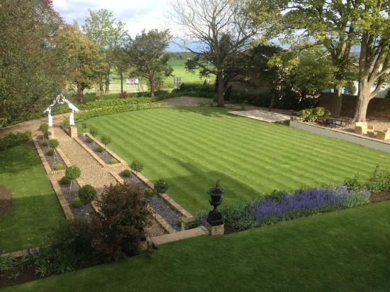 Dunedin Country House: View of garden from Blue Room