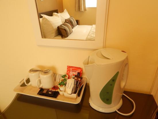 The Inglewood Hotel - Blackpool North Shore: Free Tea and Coffee / Hospitality Tray