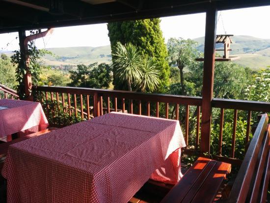أكرا ريتريت - مسكن مطل على الجبل - دار ضيافة: Uitzicht vanaf de veranda