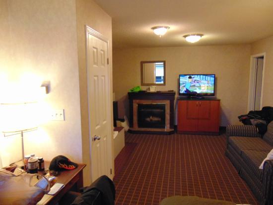Quality Inn & Suites 1000 Islands: Our Suit