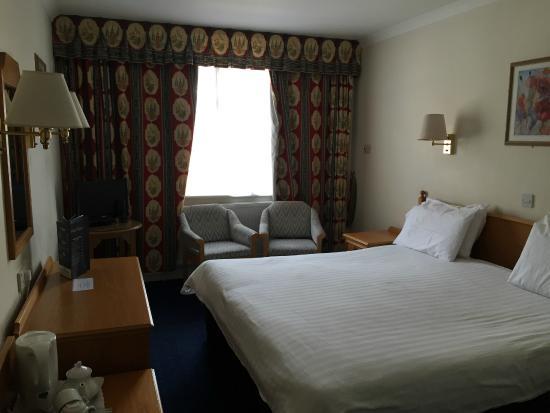 Apollo Hotel: Bedroom