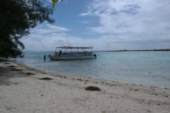 Moorea, Fransız Polinezyası: Arrivée sur le Motu