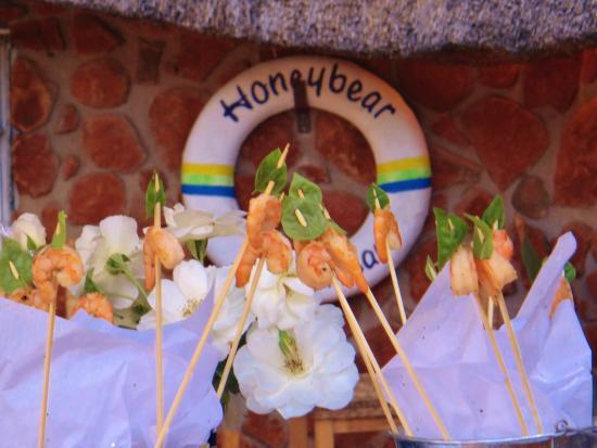 Honeybear Guest Lodge : Pool Area Venue