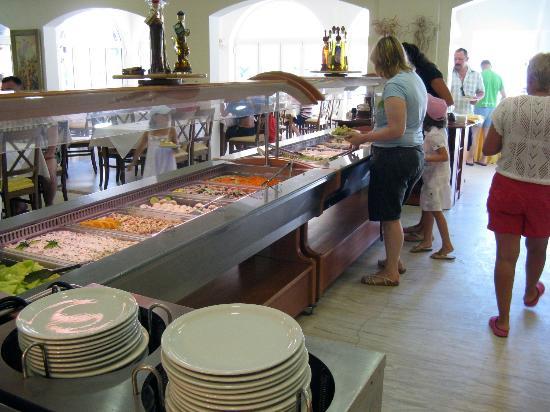 Chrousso Village: W restauracji
