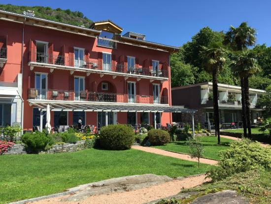 Hotel Collinetta : Blick vom Park zum Hotel