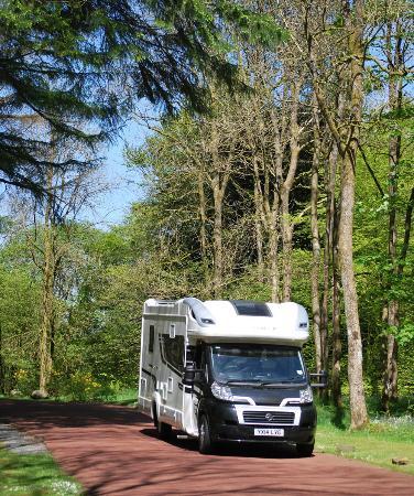 Skelwith Fold Caravan Park: Motorhome arriving at Skelwith Fold