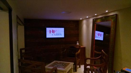 Hotel Fabris: Recepção/Sala de Estar