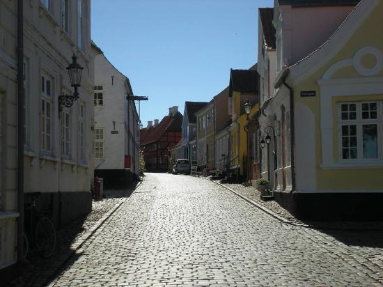 Badehotel Aeroe: View up the street
