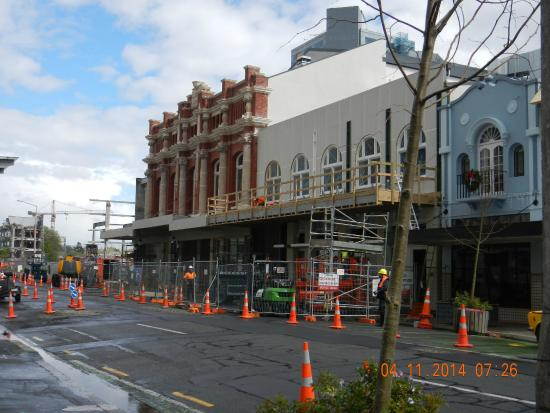 West Fitzroy Apartments: There goes another Pub....