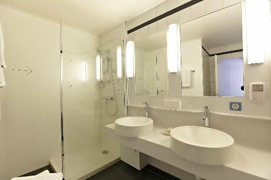 Vue d'une salle de bain - Hôtel Vaillant Sélestat