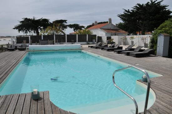 Hotel La Maison sur l'Eau: La piscine