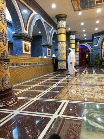 Gulf Gate Hotel: hall