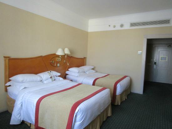 Москва Марриотт Гранд Отель  Много-много подушек и чистейшее постельное  бельё 59ea6a1cfb847