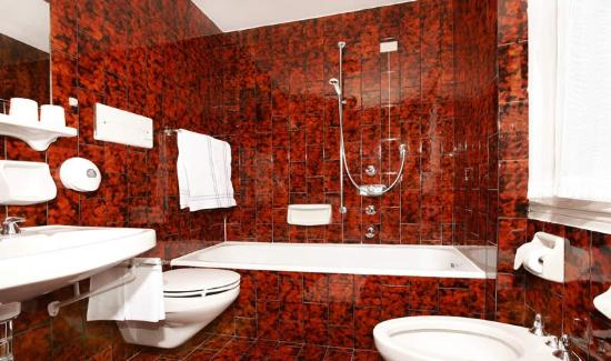 Hotel Christeinerhof: Badezimmer