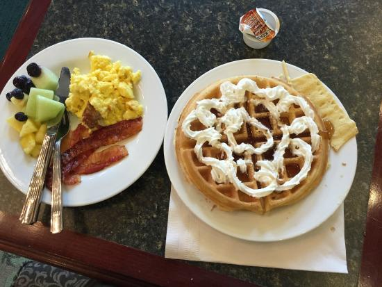 Homewood Suites by Hilton Albuquerque Airport : breakfast