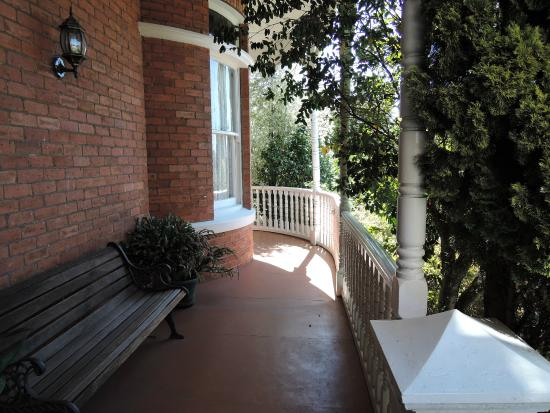 Kilmarnock House: Shaded verandah