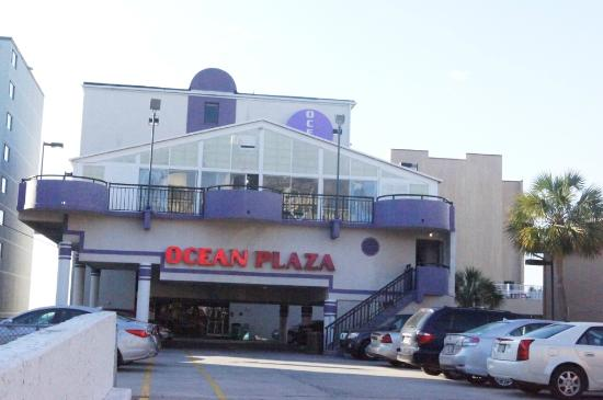 Ocean Plaza Motel: View from street