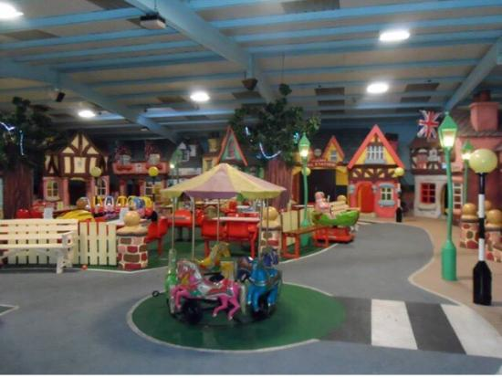‪Tiny Tots Village Indoor Playzone‬