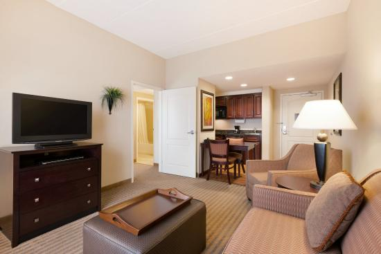Homewood Suites Minneapolis - New Brighton: 1 King 2 Queen 2 Bedroom Suite