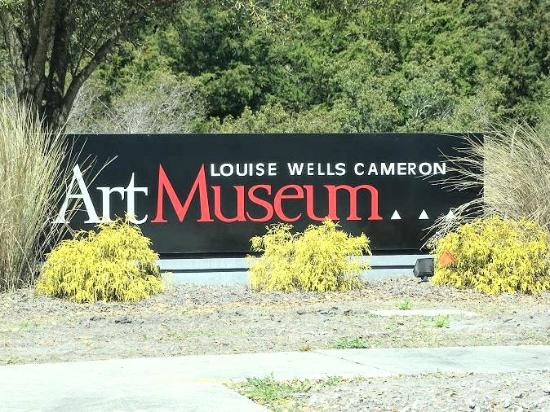 Cameron Art Museum : sign on road