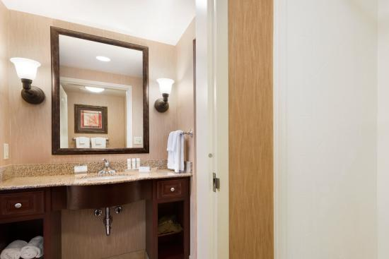 Homewood Suites by Hilton Minneapolis-New Brighton: Bath