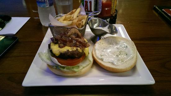 TGI Fridays: Triple burger