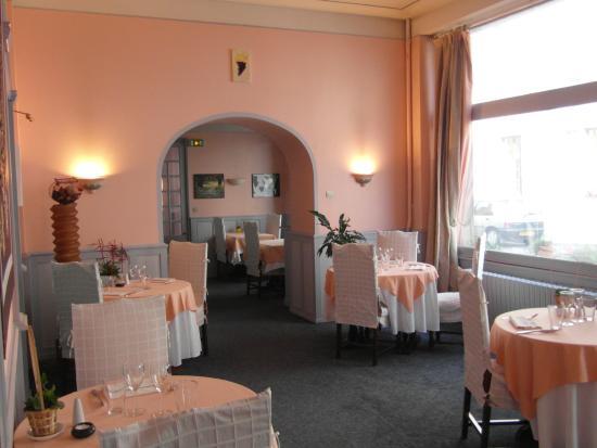 Hotel Restaurant Jeanne d'Arc : le jardin