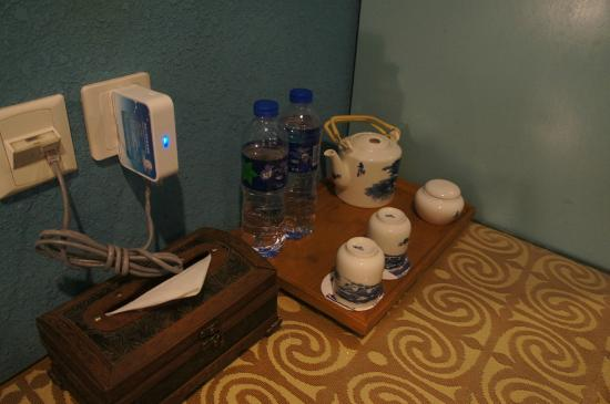 Wuzhen Guest House: tea set in the room