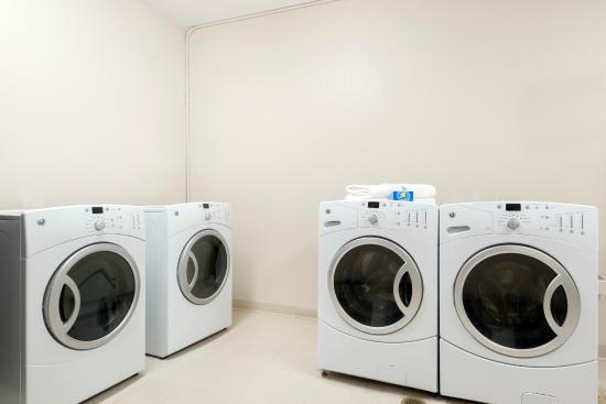 Baymont Inn & Suites Denver International Airport: Guest laundry facilities are available to all guests.