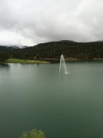 Inn of the Mountain Gods Resort & Casino: Lake from our balcony