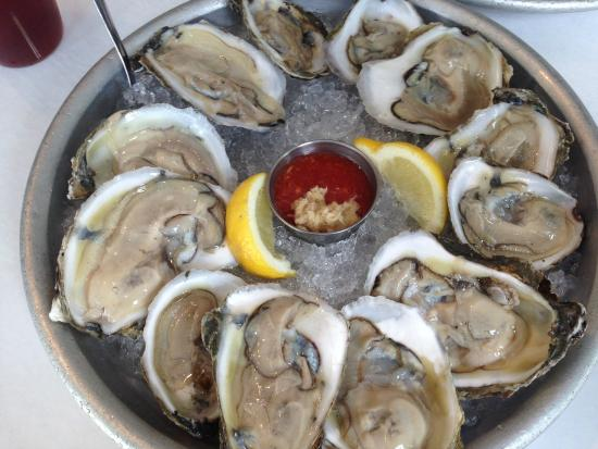 Spindleshanks: A proper dozen, from The Oar in Patchogue, NY
