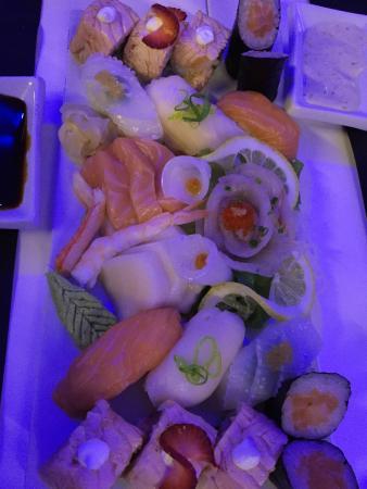 """""""Sushi night """" puoi gustarlo al sushi bar del culture hotel centro storico"""