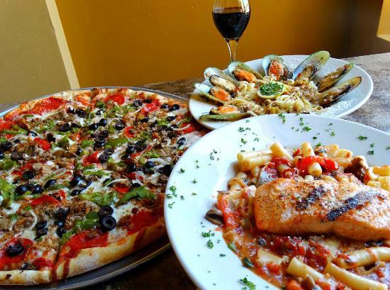 Monty's Restaurant and Pizzeria: Italian Classics