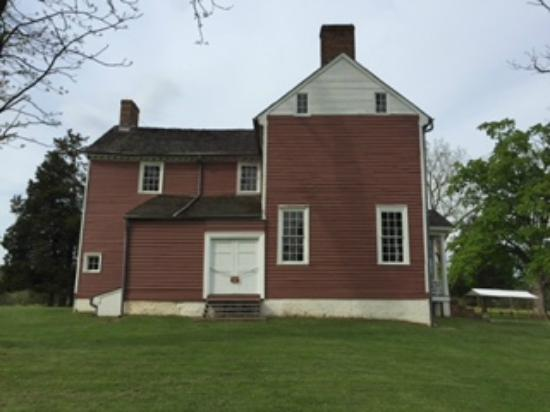 Grave of Stonewall Jackson's Arm: Ellwood Manor