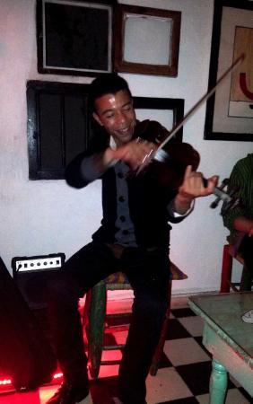 Restaurant Des Arts: violon