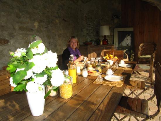La Cadoise: Breakfast au fesco