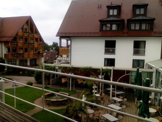 Ringhotel Krone Schnetzenhausen: Blick auf den Innenhof