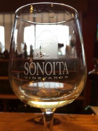 Sonoita Vineyards: White flight