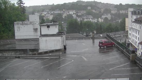 Hotel Roissy: zicht vanuit een van de kamervensters