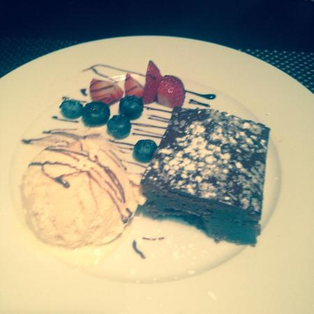 Itapu Bar & Restaurant : Choc Brownie - Dessert